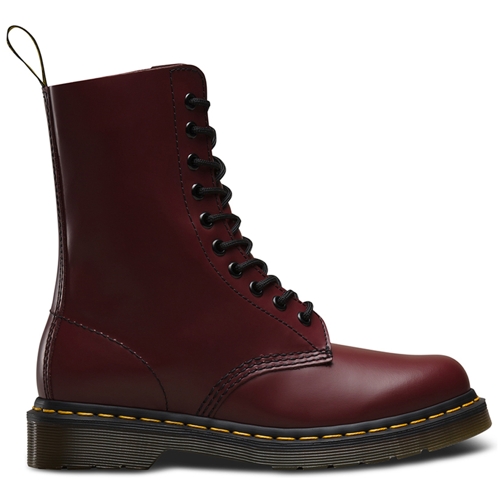 The ultimate destination for guaranteed authentic Dr. Martens Shoes & More at up to 70% off. New and preowned DOCs, with safe shipping and easy returns. Tradesy.