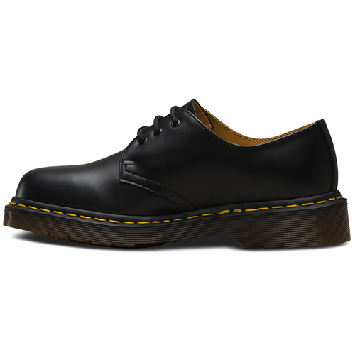 Dr. Martens 3 Eyelet Smooth Boot