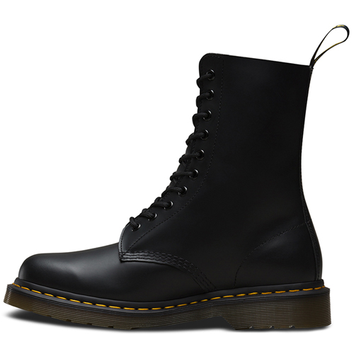 Dr. Martens 10 Eyelet Smooth Boot